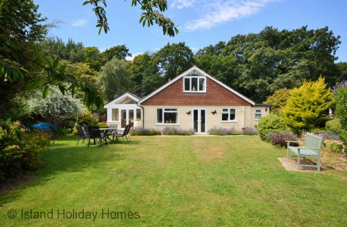 Upfront,up,front,reviews,accommodation,self,catering,rental,holiday,homes,cottages,feedback,information,genuine,trust,worthy,trustworthy,supercontrol,system,guests,customers,verified,exclusive,woodside cottage,island holiday homes,godshill,,image,of,photo,picture,view