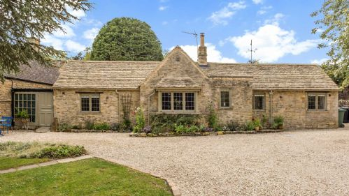 Upfront,up,front,reviews,accommodation,self,catering,rental,holiday,homes,cottages,feedback,information,genuine,trust,worthy,trustworthy,supercontrol,system,guests,customers,verified,exclusive,the old stables,staycotswold,church westcote, near chipping norton,,image,of,photo,picture,view