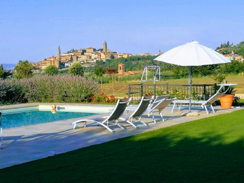 Villa Carla Tuscany, pool with gorgeous views
