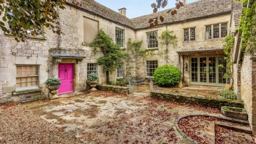 Brimpsfield House Courtyard - StayCotswold