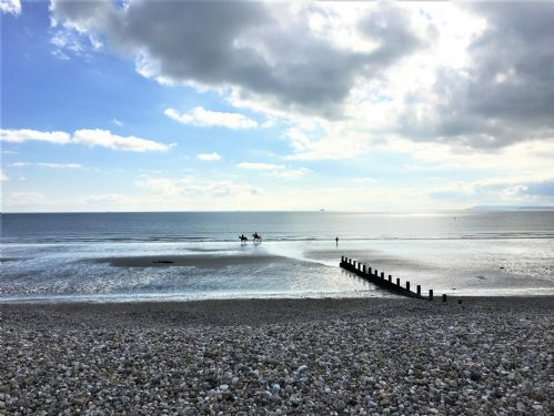 Upfront,up,front,reviews,accommodation,self,catering,rental,holiday,homes,cottages,feedback,information,genuine,trust,worthy,trustworthy,supercontrol,system,guests,customers,verified,exclusive,seamark,wellies & windbreaks,east wittering,,image,of,photo,picture,view