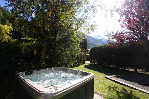 Hot tub with Mont Blanc views