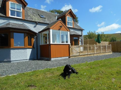 Upfront,up,front,reviews,accommodation,self,catering,rental,holiday,homes,cottages,feedback,information,genuine,trust,worthy,trustworthy,supercontrol,system,guests,customers,verified,exclusive,gardener's cottage,solid luxury ,blacklunans,,image,of,photo,picture,view
