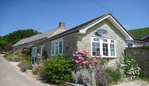 Ailwood Cottage, Nr Corfe Castle, Sleeps 2 & baby