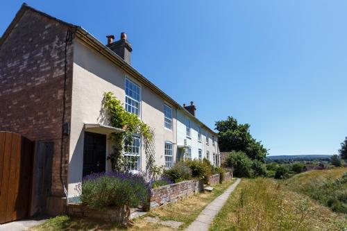 Westport Cottage, Wareham. Sleeps 5 & baby