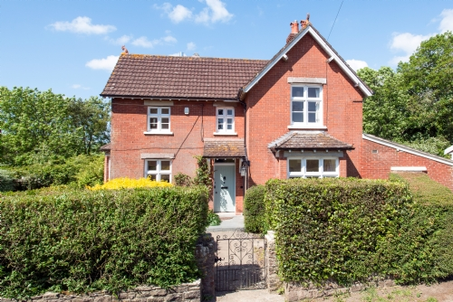 West Lodge, Church Knowle. Sleeps 10 & baby