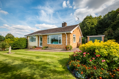 The Lawns, Charlton Marshall nr Blandford. Sleeps 4 & baby