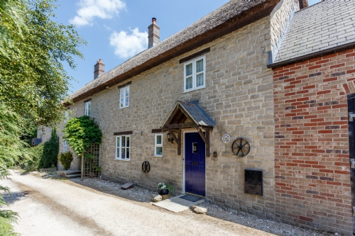 Lavender Cottage, Osmington. Sleeps 6 & baby