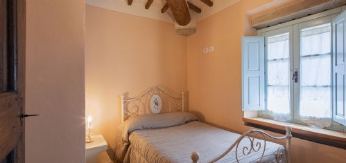 Lots of traditional Tuscan features and comfortable beds