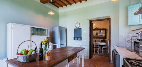 Large kitchen with full amenities