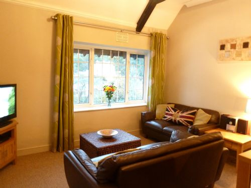Upfront,up,front,reviews,accommodation,self,catering,rental,holiday,homes,cottages,feedback,information,genuine,trust,worthy,trustworthy,supercontrol,system,guests,customers,verified,exclusive,apt 3 bedford house - 1st floor 3 bedroom apartment,torquay holiday lettings ltd,torquay,,image,of,photo,picture,view