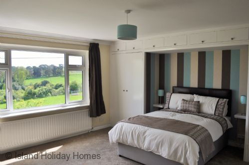 Upfront,up,front,reviews,accommodation,self,catering,rental,holiday,homes,cottages,feedback,information,genuine,trust,worthy,trustworthy,supercontrol,system,guests,customers,verified,exclusive,the hideaway,island holiday homes,newport,,image,of,photo,picture,view