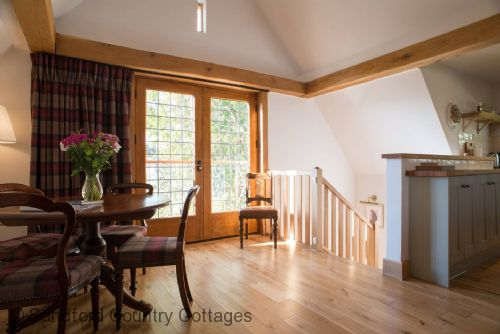 Upfront,up,front,reviews,accommodation,self,catering,rental,holiday,homes,cottages,feedback,information,genuine,trust,worthy,trustworthy,supercontrol,system,guests,customers,verified,exclusive,baillie scott cottage,sandford country cottages,newport-on-tay,,image,of,photo,picture,view