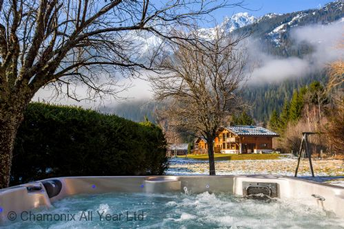 Hot tub at Chalet Myrtille