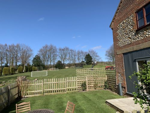 Upfront,up,front,reviews,accommodation,self,catering,rental,holiday,homes,cottages,feedback,information,genuine,trust,worthy,trustworthy,supercontrol,system,guests,customers,verified,exclusive,holly cottage,wood farm cottages ltd,melton constable,,image,of,photo,picture,view