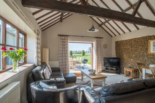 Upfront,up,front,reviews,accommodation,self,catering,rental,holiday,homes,cottages,feedback,information,genuine,trust,worthy,trustworthy,supercontrol,system,guests,customers,verified,exclusive,beech cottage,wood farm cottages ltd,melton constable,,image,of,photo,picture,view