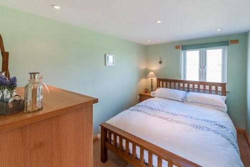 Upfront,up,front,reviews,accommodation,self,catering,rental,holiday,homes,cottages,feedback,information,genuine,trust,worthy,trustworthy,supercontrol,system,guests,customers,verified,exclusive,corner cottage,east ruston cottages ltd,lessingham,,image,of,photo,picture,view