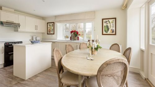 StayCotswold - The Thatched Cottage - Kitchen