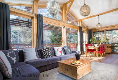 Upfront,up,front,reviews,accommodation,self,catering,rental,holiday,homes,cottages,feedback,information,genuine,trust,worthy,trustworthy,supercontrol,system,guests,customers,verified,exclusive,chalet bear,chamonix all year ltd,chamonix,,image,of,photo,picture,view
