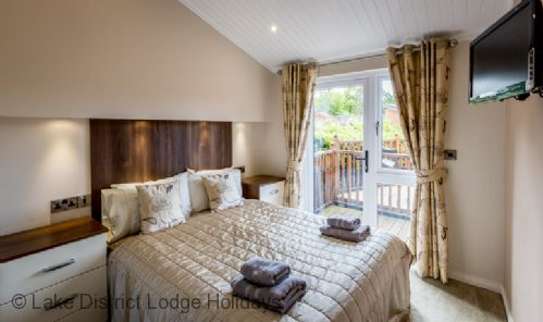 Upfront,up,front,reviews,accommodation,self,catering,rental,holiday,homes,cottages,feedback,information,genuine,trust,worthy,trustworthy,supercontrol,system,guests,customers,verified,exclusive,grandpa's lodge,lake district lodge holidays,windermere,,image,of,photo,picture,view