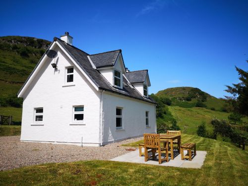 Upfront,up,front,reviews,accommodation,self,catering,rental,holiday,homes,cottages,feedback,information,genuine,trust,worthy,trustworthy,supercontrol,system,guests,customers,verified,exclusive,achalic beag,west coast cottages,oban,,image,of,photo,picture,view