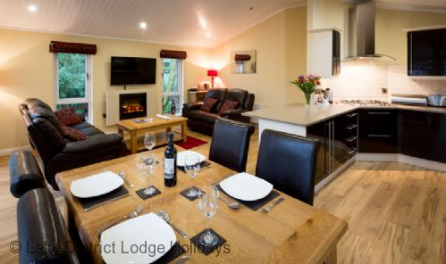 Upfront,up,front,reviews,accommodation,self,catering,rental,holiday,homes,cottages,feedback,information,genuine,trust,worthy,trustworthy,supercontrol,system,guests,customers,verified,exclusive,oakwood lodge,lake district lodge holidays,windermere,,image,of,photo,picture,view