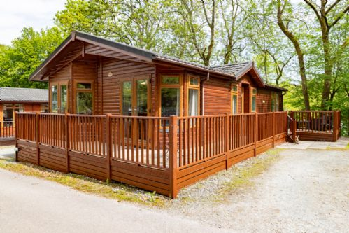 Upfront,up,front,reviews,accommodation,self,catering,rental,holiday,homes,cottages,feedback,information,genuine,trust,worthy,trustworthy,supercontrol,system,guests,customers,verified,exclusive,white swan lodge,lake district lodge holidays,bowness on windermere,,image,of,photo,picture,view