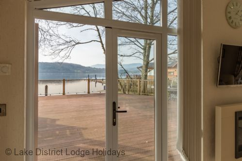 Upfront,up,front,reviews,accommodation,self,catering,rental,holiday,homes,cottages,feedback,information,genuine,trust,worthy,trustworthy,supercontrol,system,guests,customers,verified,exclusive,waterbird,lake district lodge holidays,windermere,,image,of,photo,picture,view