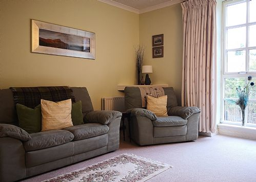 Upfront,up,front,reviews,accommodation,self,catering,rental,holiday,homes,cottages,feedback,information,genuine,trust,worthy,trustworthy,supercontrol,system,guests,customers,verified,exclusive,riverbank apartment,stirling self catering ltd,dunblane,,image,of,photo,picture,view