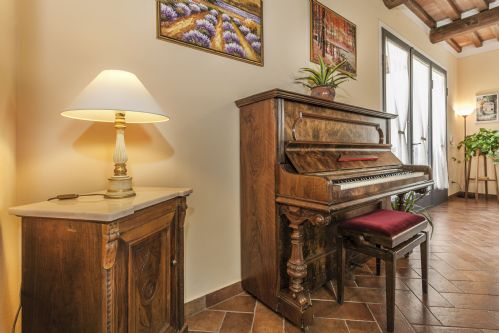 Lots of charming features making this a very 'homely' home