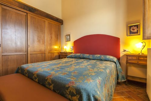 large bedrooms, each with en-suite bathroooms
