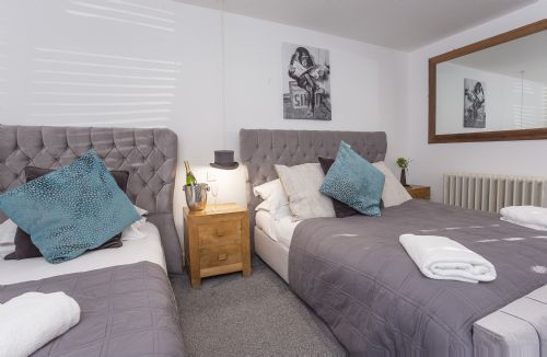 Upfront,up,front,reviews,accommodation,self,catering,rental,holiday,homes,cottages,feedback,information,genuine,trust,worthy,trustworthy,supercontrol,system,guests,customers,verified,exclusive,converted stable room 1,york boutique lets,york,,image,of,photo,picture,view