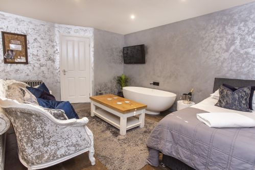 Upfront,up,front,reviews,accommodation,self,catering,rental,holiday,homes,cottages,feedback,information,genuine,trust,worthy,trustworthy,supercontrol,system,guests,customers,verified,exclusive,converted stable room 2 ,york boutique lets,york ,,image,of,photo,picture,view