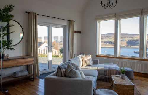 Upfront,up,front,reviews,accommodation,self,catering,rental,holiday,homes,cottages,feedback,information,genuine,trust,worthy,trustworthy,supercontrol,system,guests,customers,verified,exclusive,bay view bungalow,islands and highlands cottages,uig,,image,of,photo,picture,view
