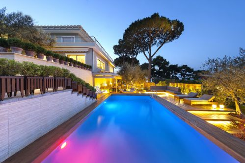 Upfront,up,front,reviews,accommodation,self,catering,rental,holiday,homes,cottages,feedback,information,genuine,trust,worthy,trustworthy,supercontrol,system,guests,customers,verified,exclusive,villa bay,rentals in italy srl,sorrento,,image,of,photo,picture,view