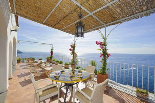 Upfront,up,front,reviews,accommodation,self,catering,rental,holiday,homes,cottages,feedback,information,genuine,trust,worthy,trustworthy,supercontrol,system,guests,customers,verified,exclusive,villa roberto,rentals in italy srl,positano,,image,of,photo,picture,view