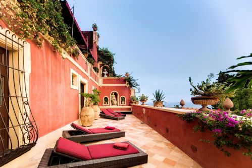Upfront,up,front,reviews,accommodation,self,catering,rental,holiday,homes,cottages,feedback,information,genuine,trust,worthy,trustworthy,supercontrol,system,guests,customers,verified,exclusive,villa dei cardinali,rentals in italy srl,positano,,image,of,photo,picture,view
