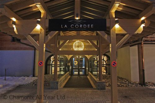 La Cordee entrance at night