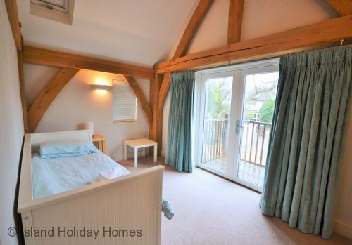 Upfront,up,front,reviews,accommodation,self,catering,rental,holiday,homes,cottages,feedback,information,genuine,trust,worthy,trustworthy,supercontrol,system,guests,customers,verified,exclusive,beach side,island holiday homes,bembridge,,image,of,photo,picture,view
