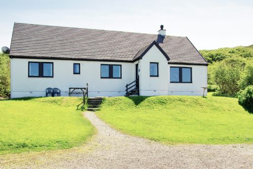Upfront,up,front,reviews,accommodation,self,catering,rental,holiday,homes,cottages,feedback,information,genuine,trust,worthy,trustworthy,supercontrol,system,guests,customers,verified,exclusive,eilean feoir,steading holidays,portuairk,,image,of,photo,picture,view