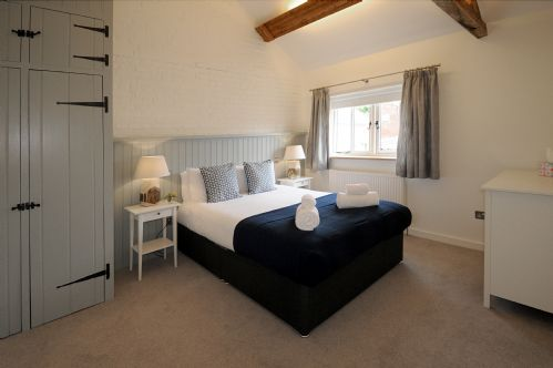 Upfront,up,front,reviews,accommodation,self,catering,rental,holiday,homes,cottages,feedback,information,genuine,trust,worthy,trustworthy,supercontrol,system,guests,customers,verified,exclusive,swallow's nest,cranmer country cottages,fakenham,,image,of,photo,picture,view