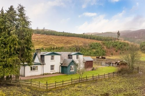 Upfront,up,front,reviews,accommodation,self,catering,rental,holiday,homes,cottages,feedback,information,genuine,trust,worthy,trustworthy,supercontrol,system,guests,customers,verified,exclusive,park cottage,alvie estate,kincraig, kingussie,,image,of,photo,picture,view
