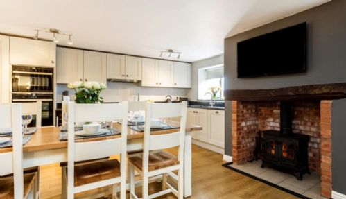 Upfront,up,front,reviews,accommodation,self,catering,rental,holiday,homes,cottages,feedback,information,genuine,trust,worthy,trustworthy,supercontrol,system,guests,customers,verified,exclusive,tilly's cottage,south coombe country cottages,tiverton,,image,of,photo,picture,view