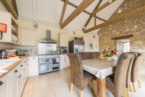 Upfront,up,front,reviews,accommodation,self,catering,rental,holiday,homes,cottages,feedback,information,genuine,trust,worthy,trustworthy,supercontrol,system,guests,customers,verified,exclusive,the stables,luxury dorset cottages,abbotsbury,,image,of,photo,picture,view