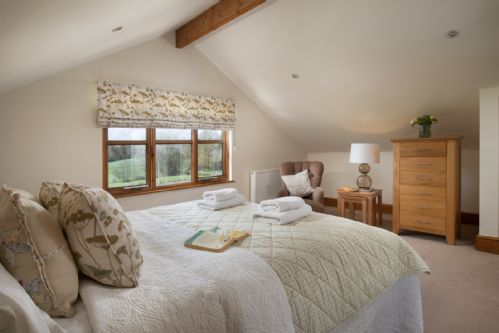 Upfront,up,front,reviews,accommodation,self,catering,rental,holiday,homes,cottages,feedback,information,genuine,trust,worthy,trustworthy,supercontrol,system,guests,customers,verified,exclusive,the cow byre,bidwell farm cottages,,,image,of,photo,picture,view