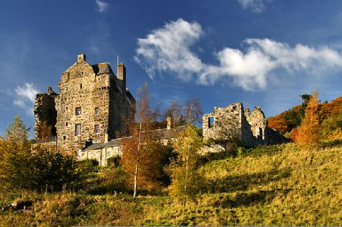 Upfront,up,front,reviews,accommodation,self,catering,rental,holiday,homes,cottages,feedback,information,genuine,trust,worthy,trustworthy,supercontrol,system,guests,customers,verified,exclusive,neidpath barmkin,neidpath castle,peebles,,image,of,photo,picture,view