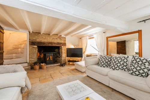 Upfront,up,front,reviews,accommodation,self,catering,rental,holiday,homes,cottages,feedback,information,genuine,trust,worthy,trustworthy,supercontrol,system,guests,customers,verified,exclusive,the chestnuts,eco chic cottages,shilton,,image,of,photo,picture,view