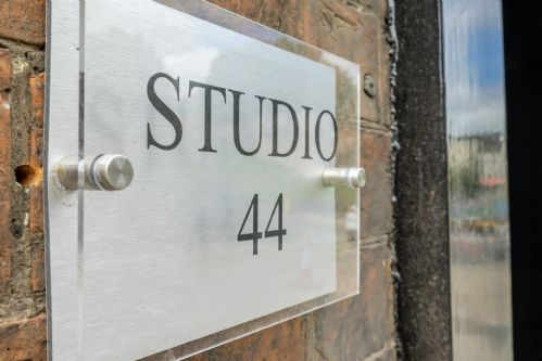 Upfront,up,front,reviews,accommodation,self,catering,rental,holiday,homes,cottages,feedback,information,genuine,trust,worthy,trustworthy,supercontrol,system,guests,customers,verified,exclusive,studio 44,stays york,york,,image,of,photo,picture,view