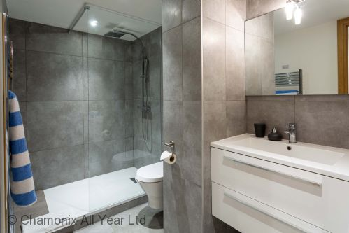 Family bathroom with large shower & WC