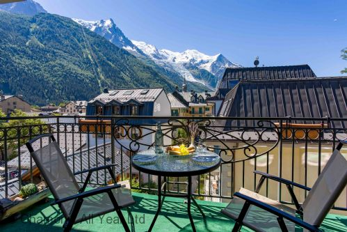 Le Paradis 28 has stunning Mont Blanc views